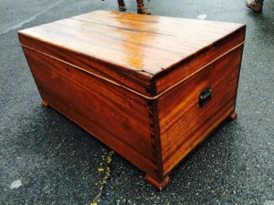 Blanket Chest Toffee Table