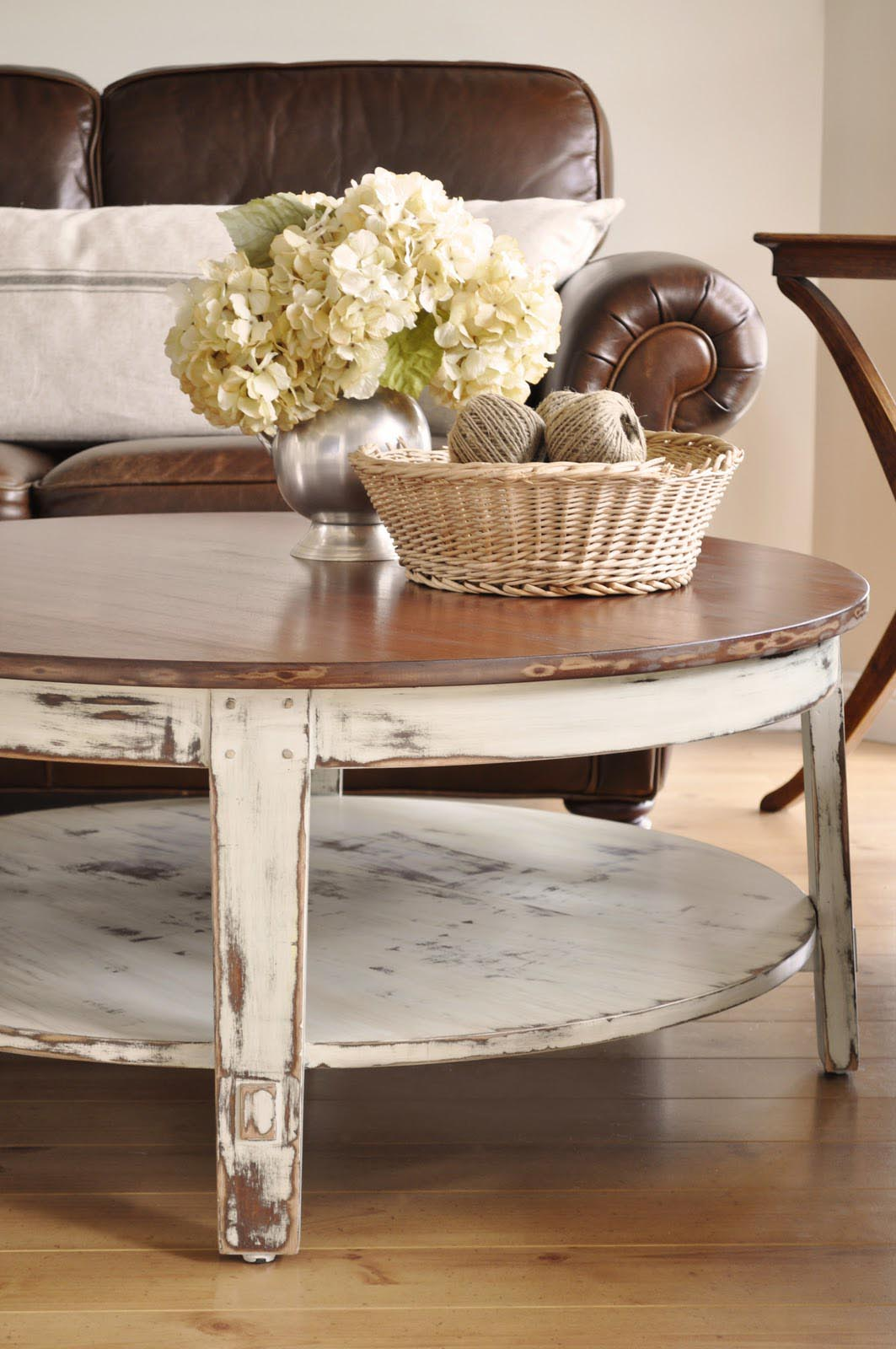how to set a coffee table