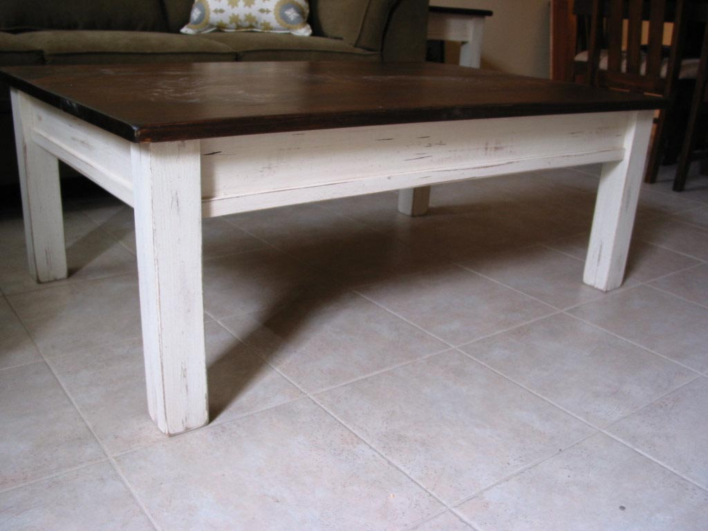 distressed white coffee table | coffee table design ideas