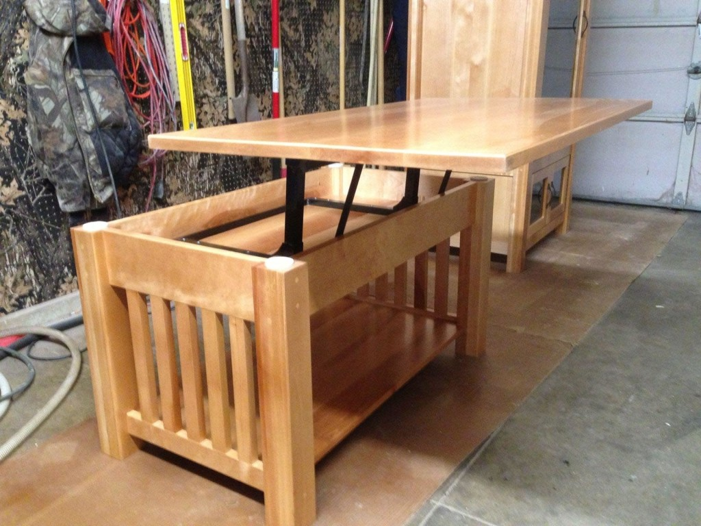 Mission Style Coffee Table with Lift Top