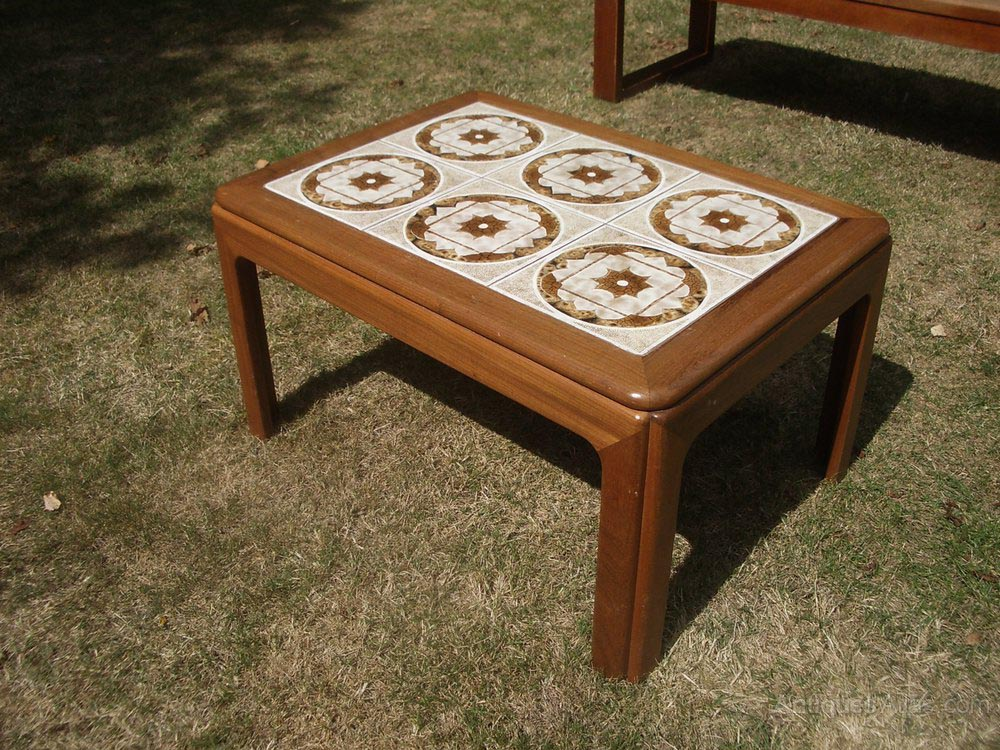 Retro tiled coffee table coffee table design ideas Coffee table top ideas