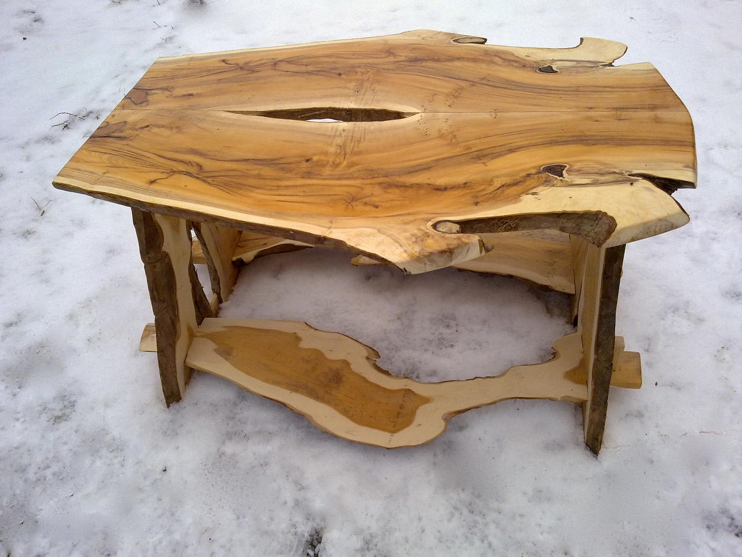Unique coffee table is victory over the boring interior Creative wooden furniture