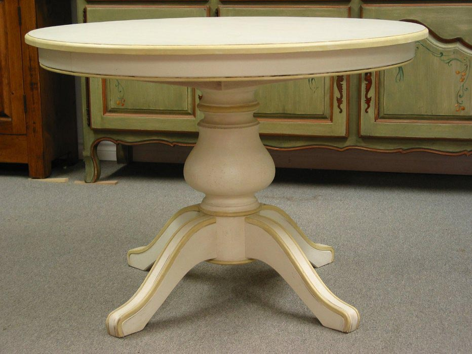 Pedestal Round Coffee Table